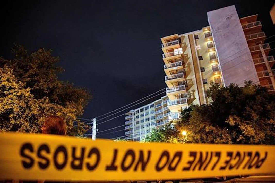 Edificio en Miami evacuado por problemas estructurales
