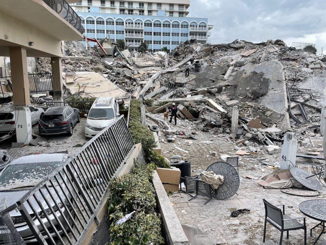 Alistan demolición en Surfside