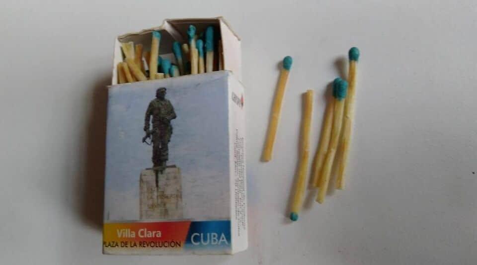 El Ché y los fósforos que se venden en dólares y con tarjeta MLC en Cuba