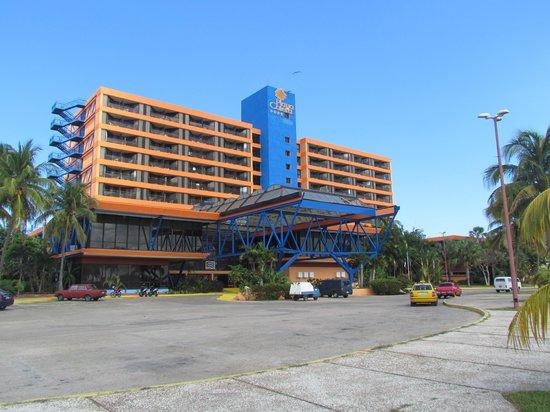 Un cubano muere en aislamiento, en hotel de Varadero
