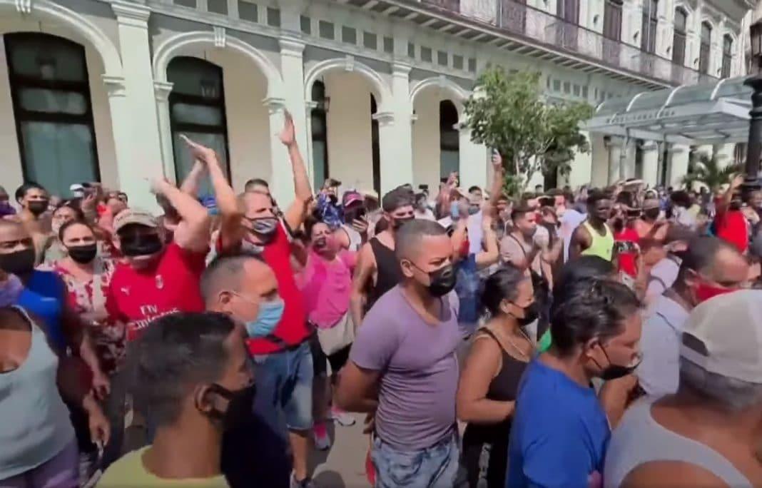 Protestas en Cuba se canalizan en el extranjero