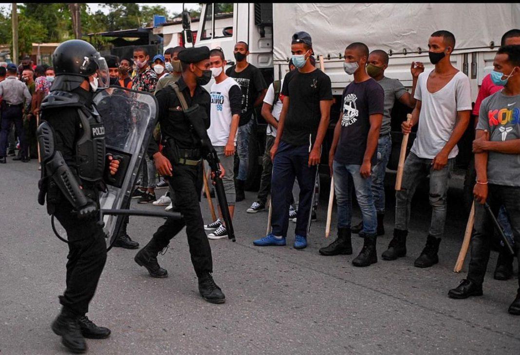 Jóvenes reclutas del SMO en Cuba