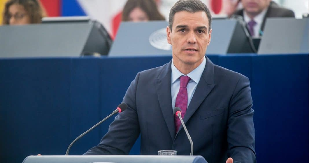 Pedro Sánchez critica embargo de EEUU a Cuba, y pide