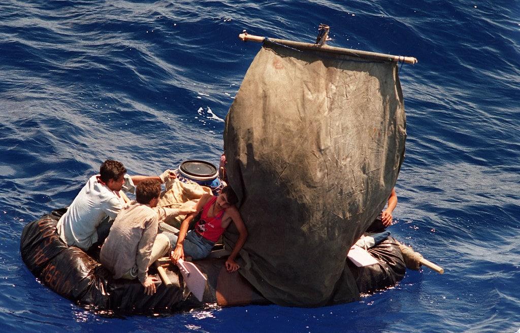 Balseros cubanos. El drama de no saber quien vive, quien murió en el mar.