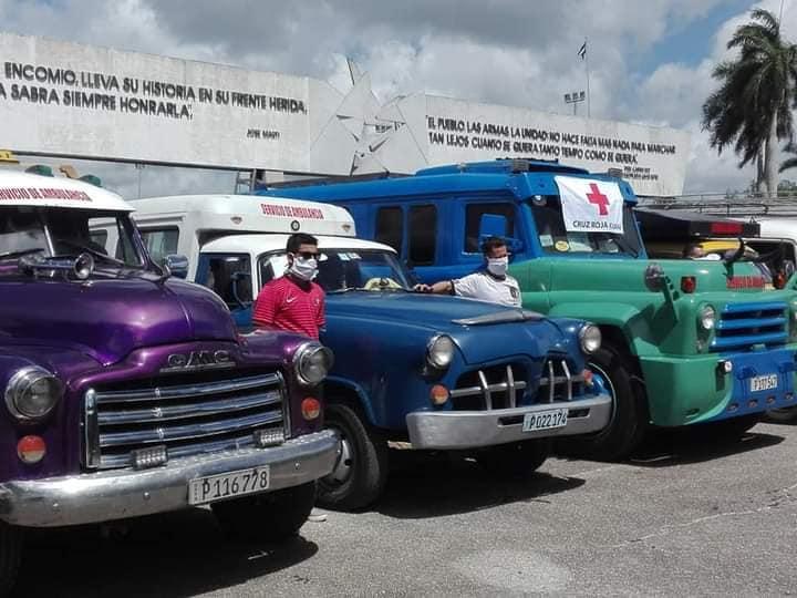 Autos particulares como ambulancias en Holguín