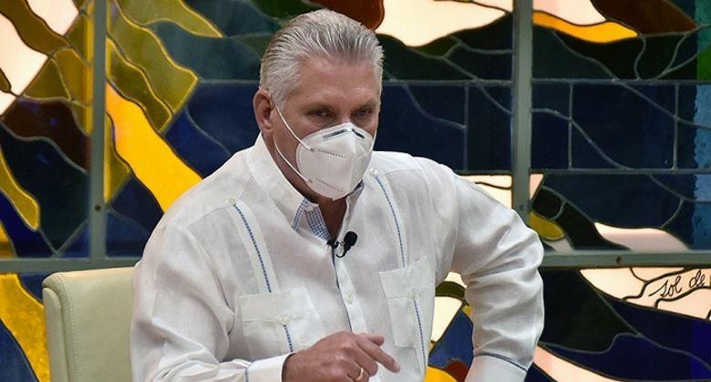 Díaz-Canel simula estar preocupado por la COVID en Cuba