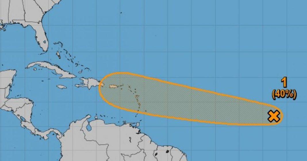 Onda Tropical sigue detrás de la tormenta tropical Fred
