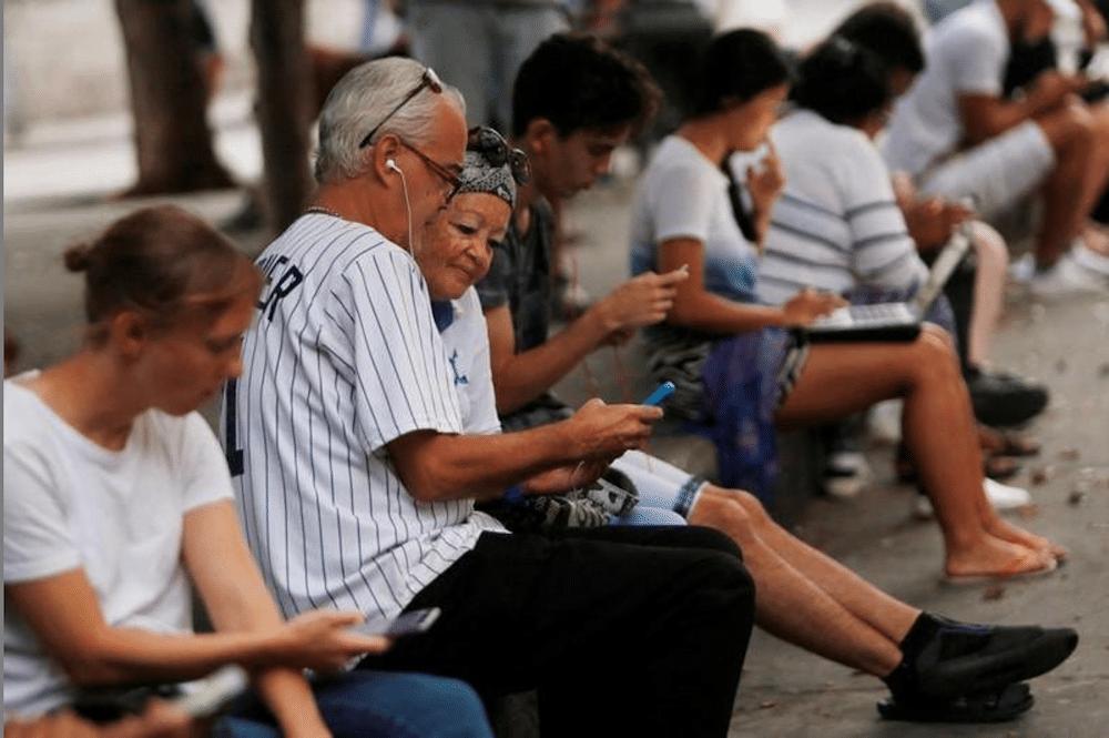 regulan más uso redes sociales en Cuba