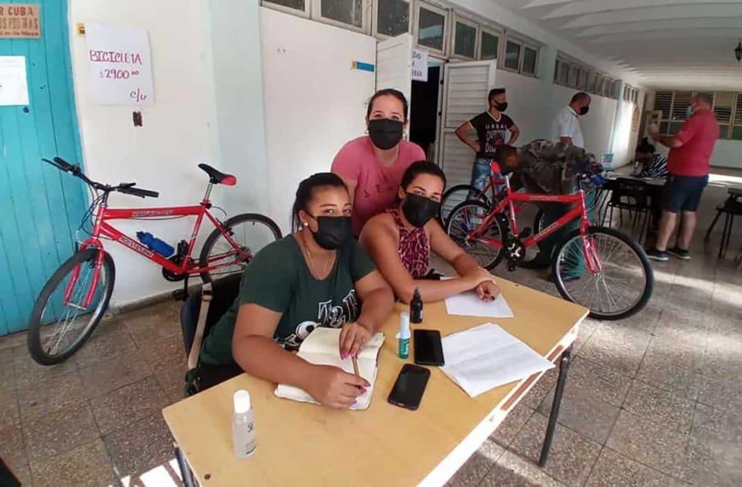 Gobierno vende bicicletas a universitarios