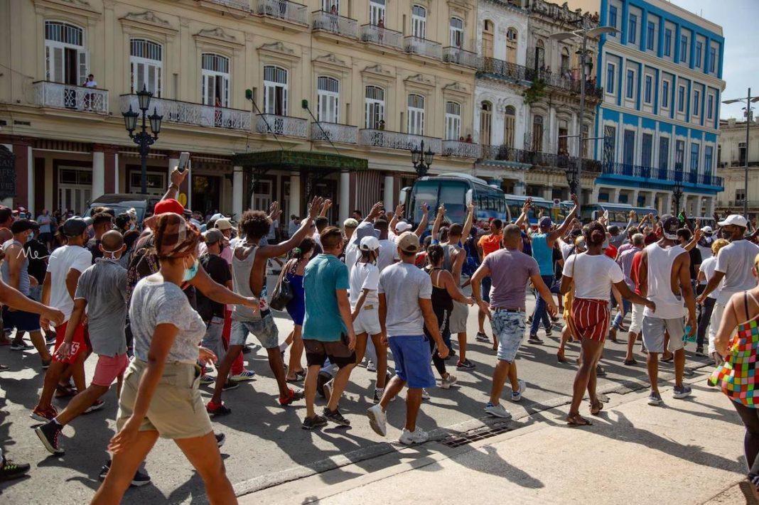 Se habla de desigualdad racial como clave en protestas del 11J