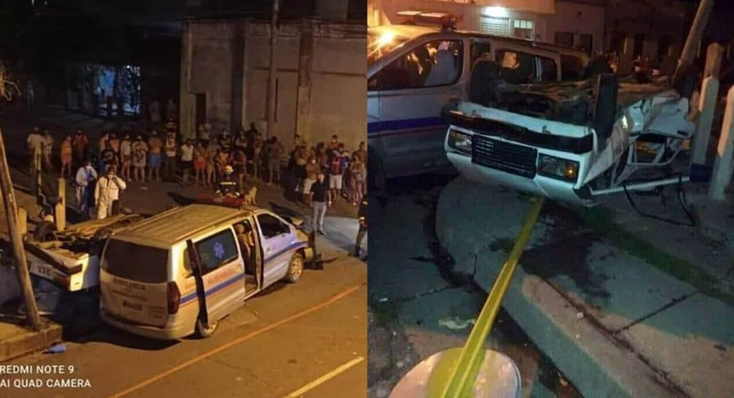 chocan carro patrullero y ambulancia