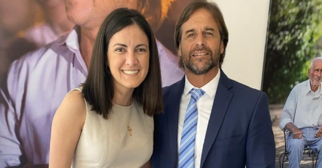 Rosa María Payá felicita a Luis Lacalle.