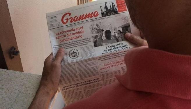 El diario Granma continúa bajando las mismas piedras revolucionarias