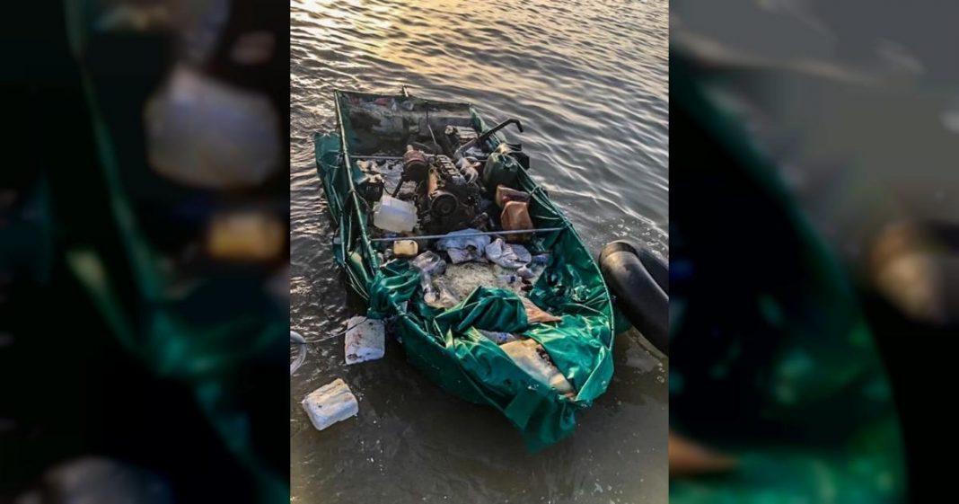 trece balseros cubanos llegan en este bote a EEUU
