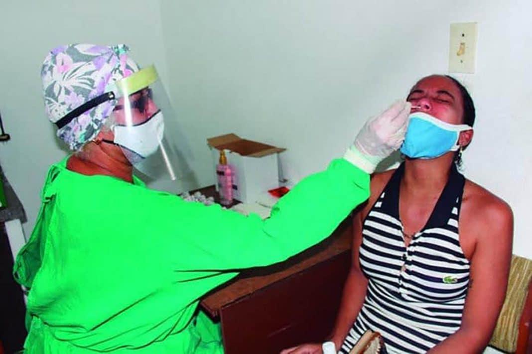 Tuitero cubano habla sobre PCR en Cuba