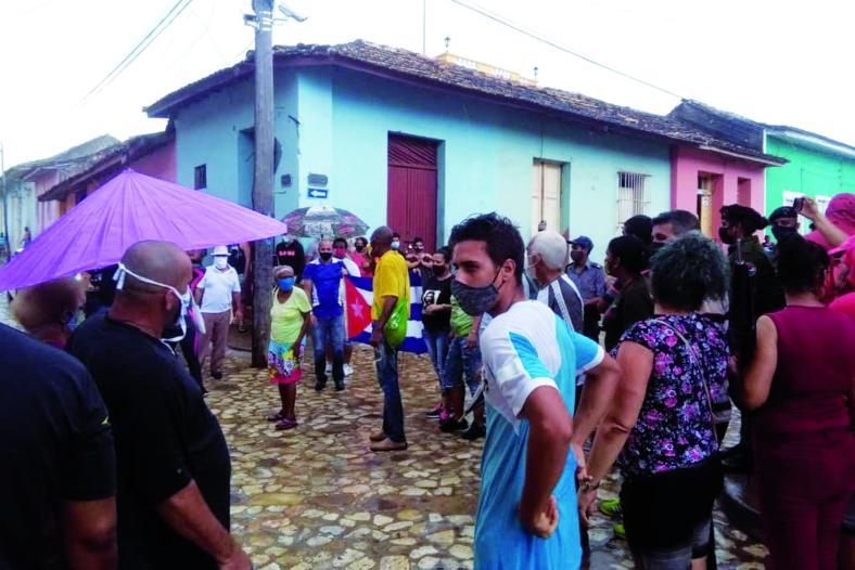 informan sobre procesos penales a manifestantes del 11J en S.Spírituss