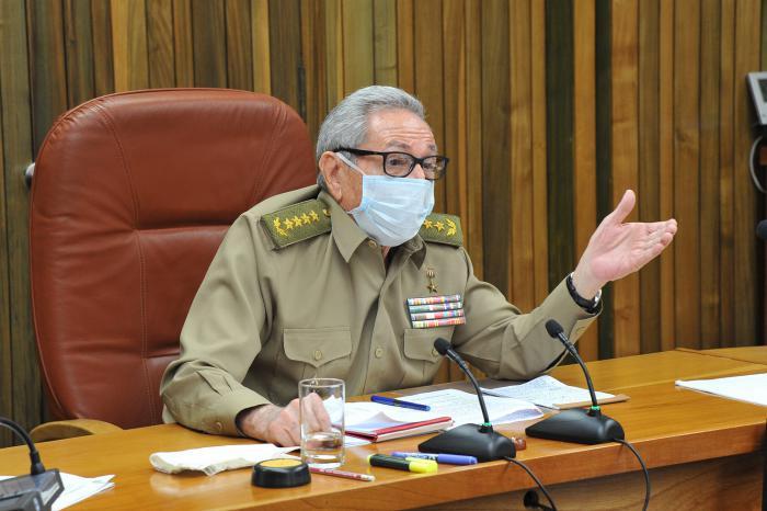 Otra vez circula el rumor de la muerte de Raúl Castro.