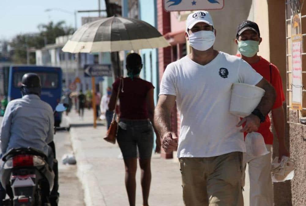 Dos jóvenes médicos cubanos mueren por coronavirus