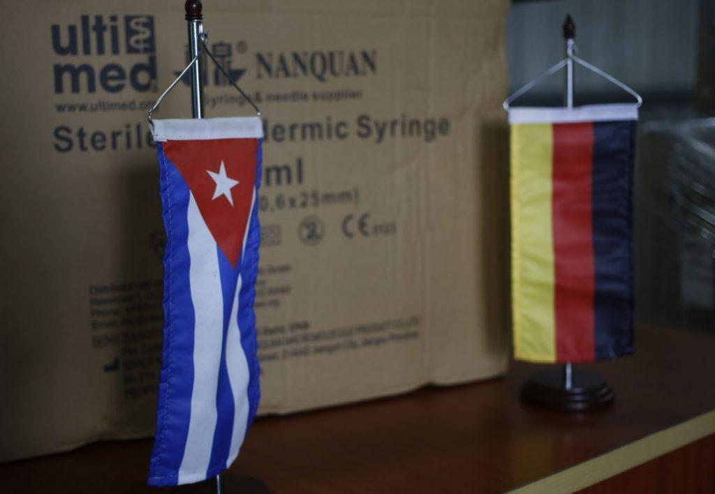 Continúan los donativos a Cuba; medios oficialistas destacan unos, otros los obvian por completo.