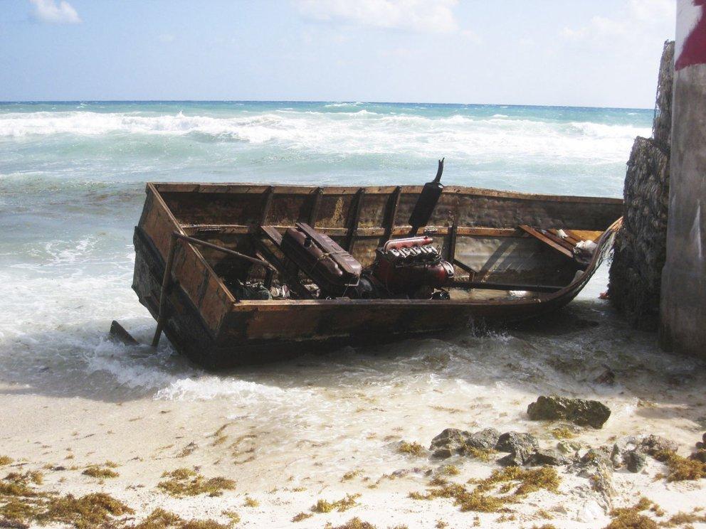 Trece balseros cubanos fueron rescatados por un pesquero mexicano