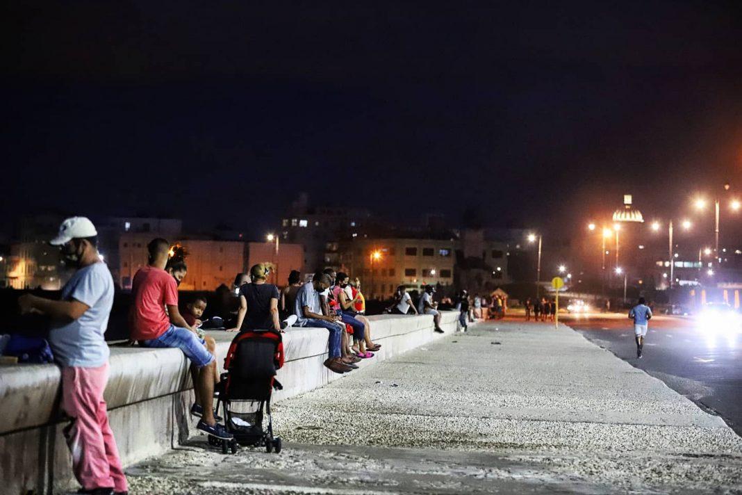 Ya los habaneros pueden ir al Malecón, pero hasta las 10:30pm de la noche