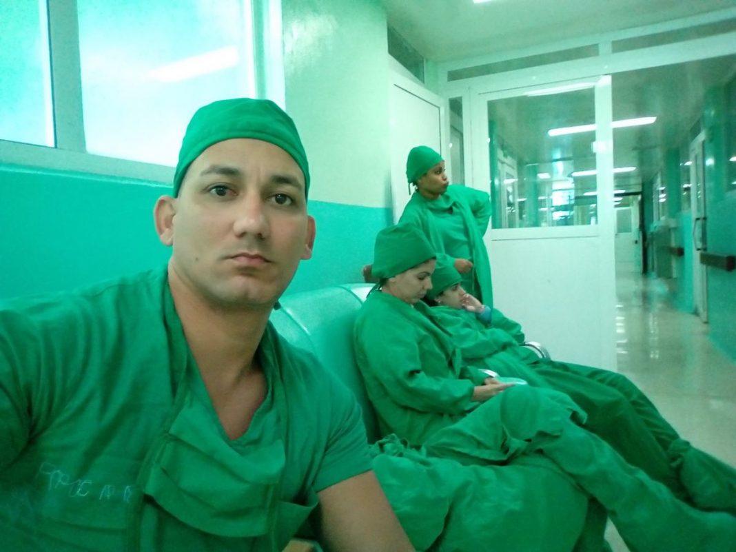 Víctor José Arjona Labrada, el médico cubano que hace la denuncia