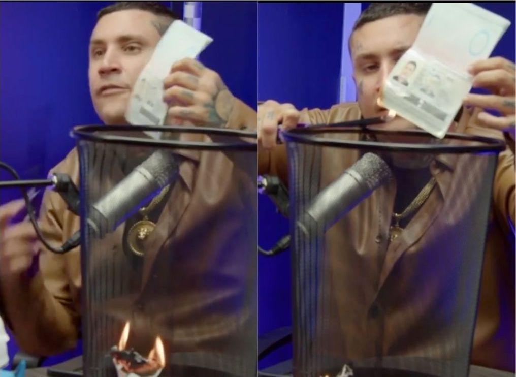 Osmani García quema su pasaporte cubano